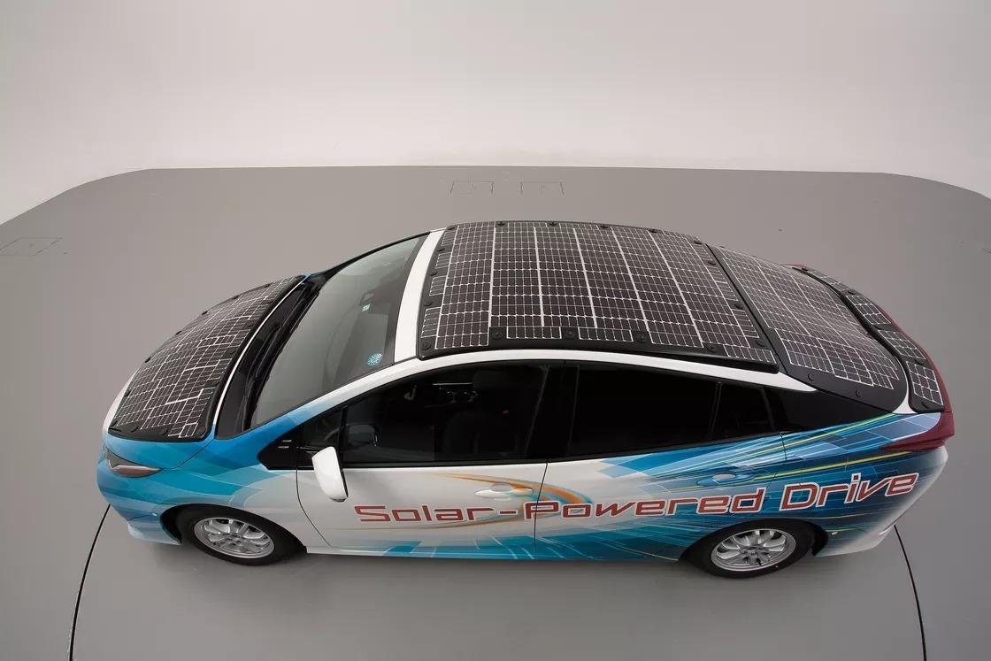خودرو برقی تویوتا