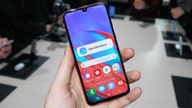 بررسی تخصصی گوشی Galaxy A40 3