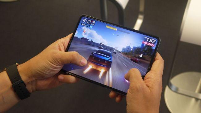 بررسی تخصصی گوشی Galaxy Fold