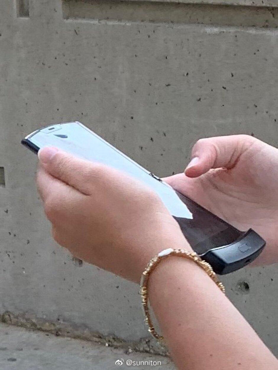 گوشی جدید تاشو Motorola Razr