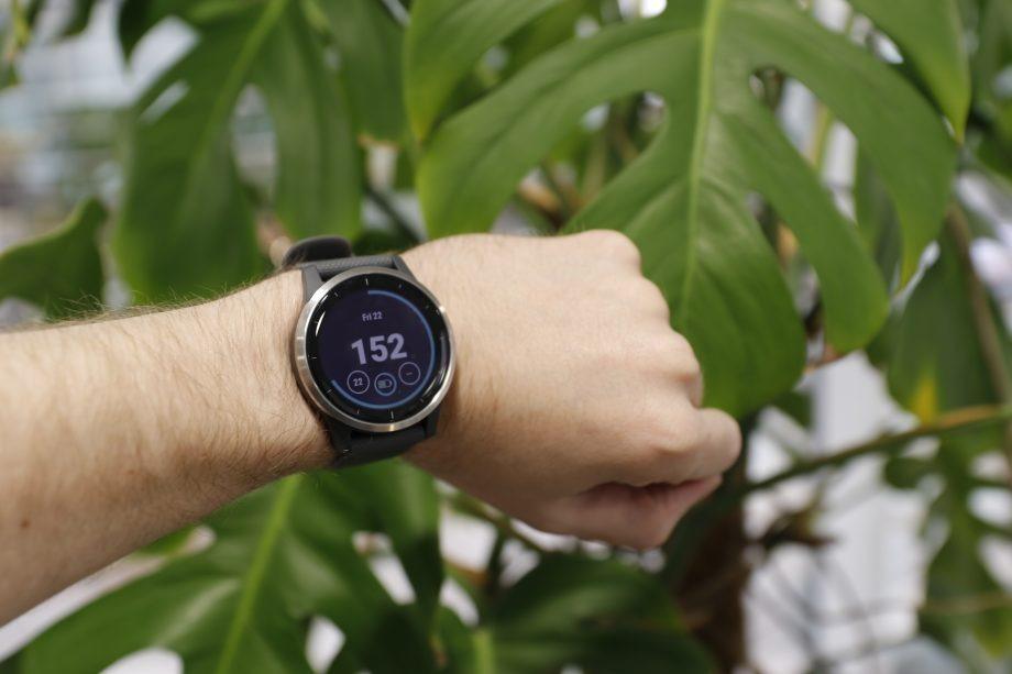 بررسی تخصصی ساعت Garmin Vivoactive 4