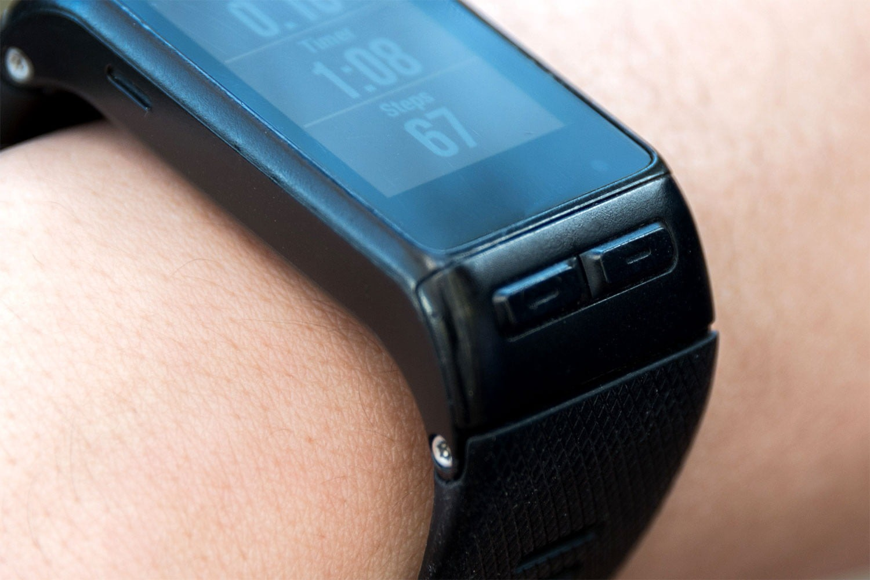 مشخصات ساعت Garmin Vivoactive HR