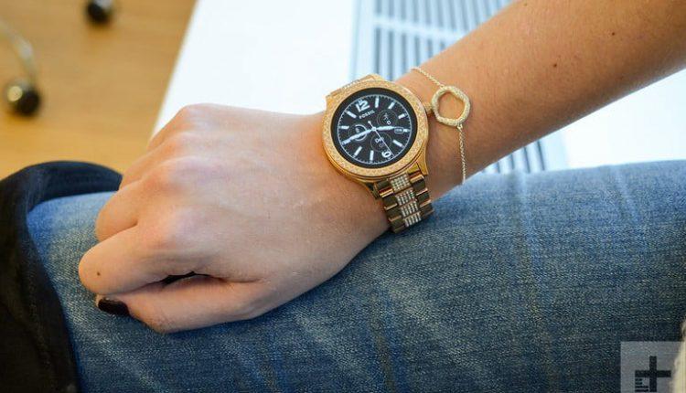 مشخصات فنی ساعت هوشمند فسیل Q Venture