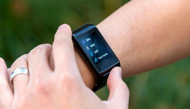 مشخصات فنی ساعت Garmin Vivoactive HR