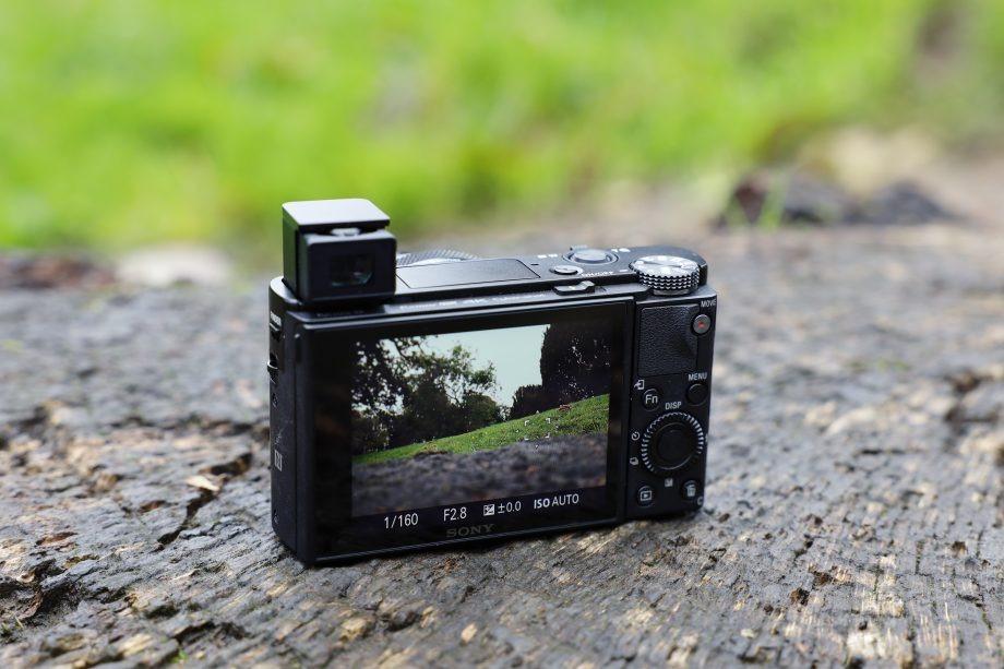 بررسی فنی دوربین سونی RX100 VII